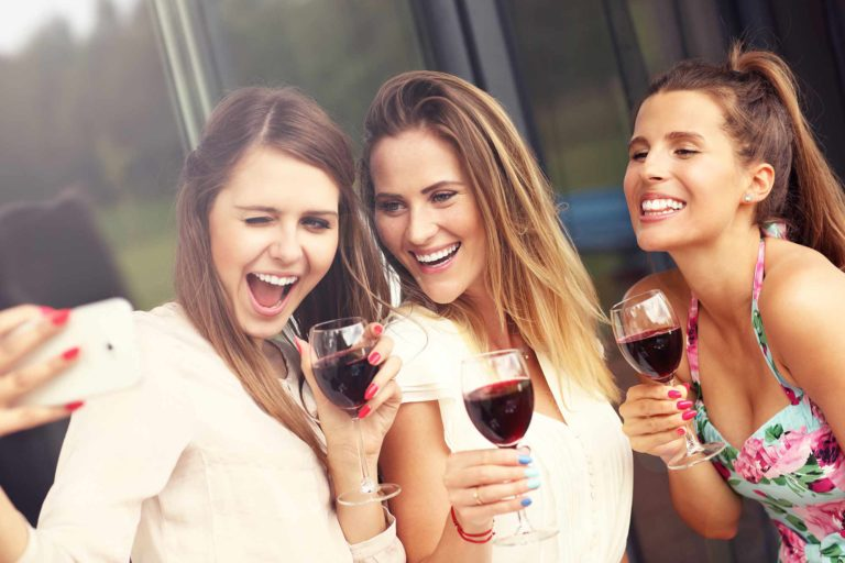 three-gals-selfi-reduced